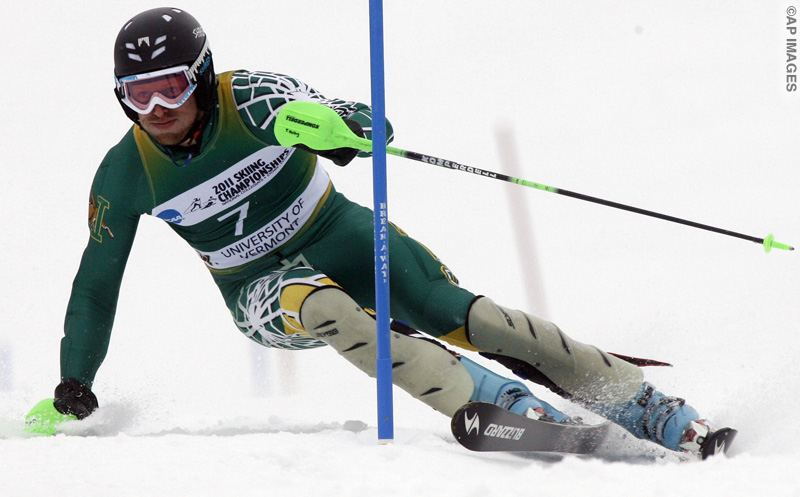 Tim Kelley of the University of Vermont, skis to victory in the men's slalom at the NCAA Ski Championships on Saturday, March 12, 2011 in Stowe, Vt.  (AP Photo/Toby Talbot)