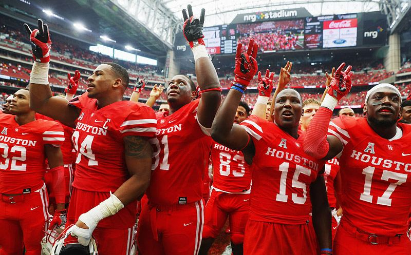 HOUSTON, TX - SEPTEMBER 03:   The Houston Cougars celebrate after they defeated the Oklahoma Sooners 33-23 during the Advocare Texas Kickoff on September 3, 2016 in Houston, Texas.  (Photo by Scott Halleran/Getty Images)
