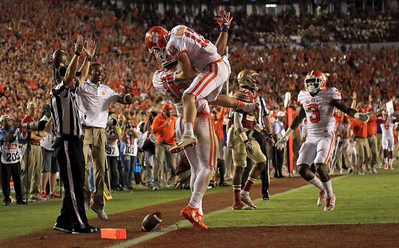 TALLAHASSEE, FL - OCTOBER 29:  Jordan Leggett #16 of the Clemson Tigers celebrates a touchdown during a game against the Florida State Seminoles at Doak Campbell Stadium on October 29, 2016 in Tallahassee, Florida.  (Photo by Mike Ehrmann/Getty Images)
