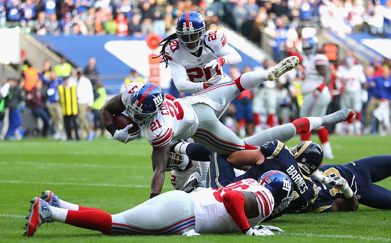 LONDON, ENGLAND - OCTOBER 23:  Landon Collins of the New York Giants scores a touchdown during the NFL International Series match between New York Giants and Los Angeles Rams at Twickenham Stadium on October 23, 2016 in London, England.  (Photo by Warren Little/Getty Images)