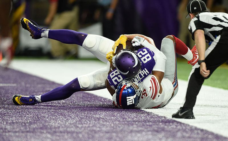 MINNEAPOLIS, MN - OCTOBER 3: Kyle Rudolph #82 of the Minnesota Vikings scores a touchdown in the second quarter of the game against the New York Giants on October 3, 2016 at US Bank Stadium in Minneapolis, Minnesota.  (Photo by Hannah Foslien/Getty Images)