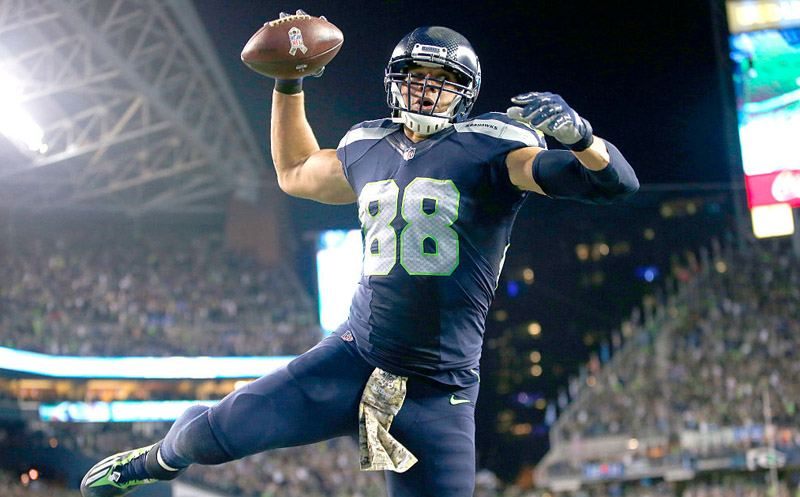 SEATTLE, WA - NOVEMBER 07:  Tight end Jimmy Graham #88 of the Seattle Seahawks spikes the ball after scoring a touchdown against the Buffalo Bills at CenturyLink Field on November 7, 2016 in Seattle, Washington.  (Photo by Otto Greule Jr/Getty Images)